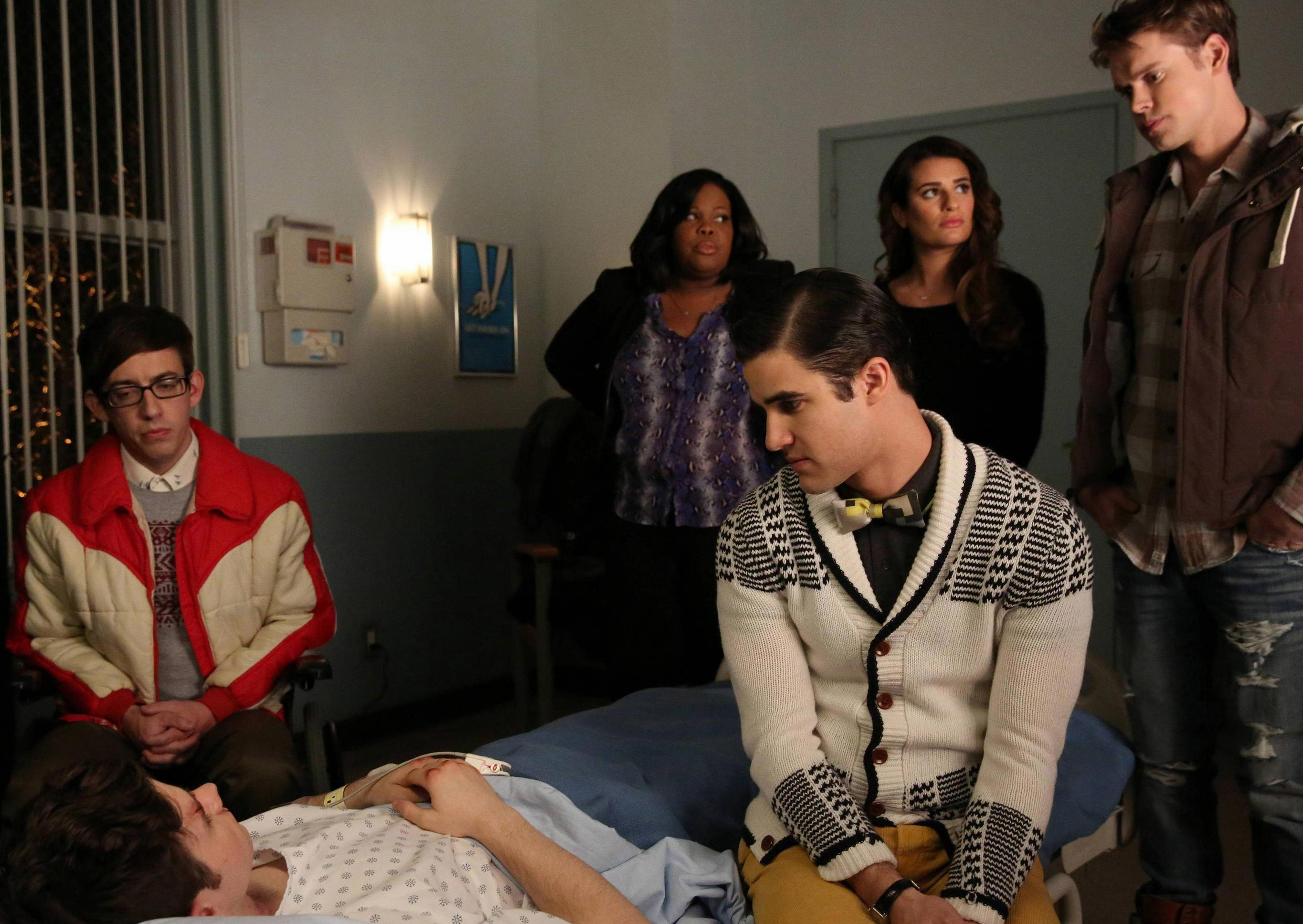 foto de TV: Glee soars with Sondheim but falters with the bigger